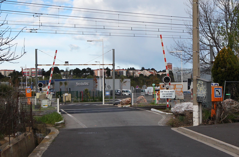 Perpignan le passage niveau de la fauceille ne sera plus franchi par les bus de l 39 agglo - Bus perpignan port leucate ...